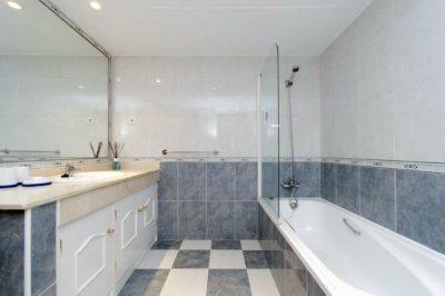 Los Olivos 371 Bathroom