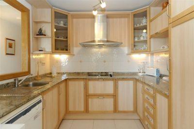 Los Olivos 41 Kitchen