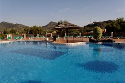 Los Olivos 41 Shared pool