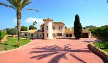 Villa 152