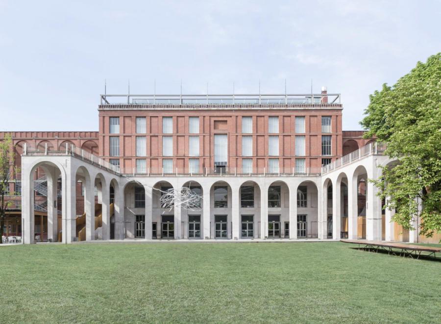 Slide La Triennale Di Milano