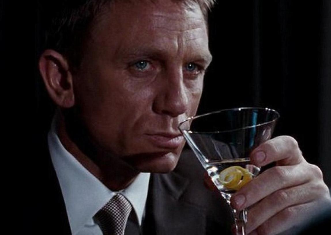 stile persuasivo james bon e alcol
