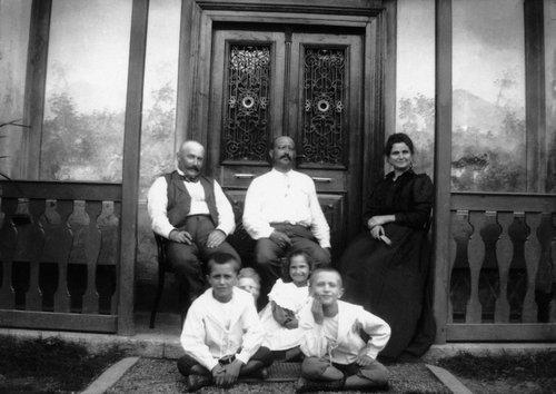 Famiglia Attilio Salvadè