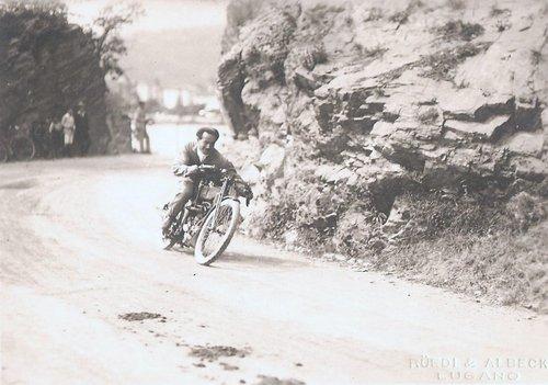 Augusto Rossi motociclista luganese