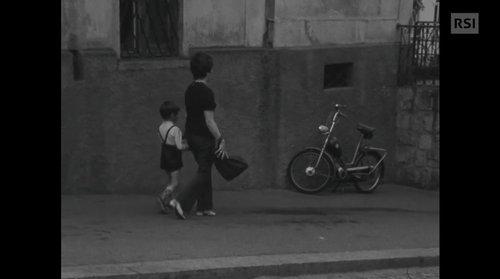 Con la mamma sulla strada