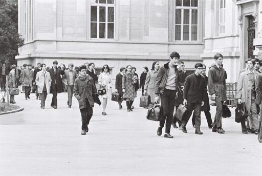 Gli scatti della TSI al Liceo di Lugano — 1969