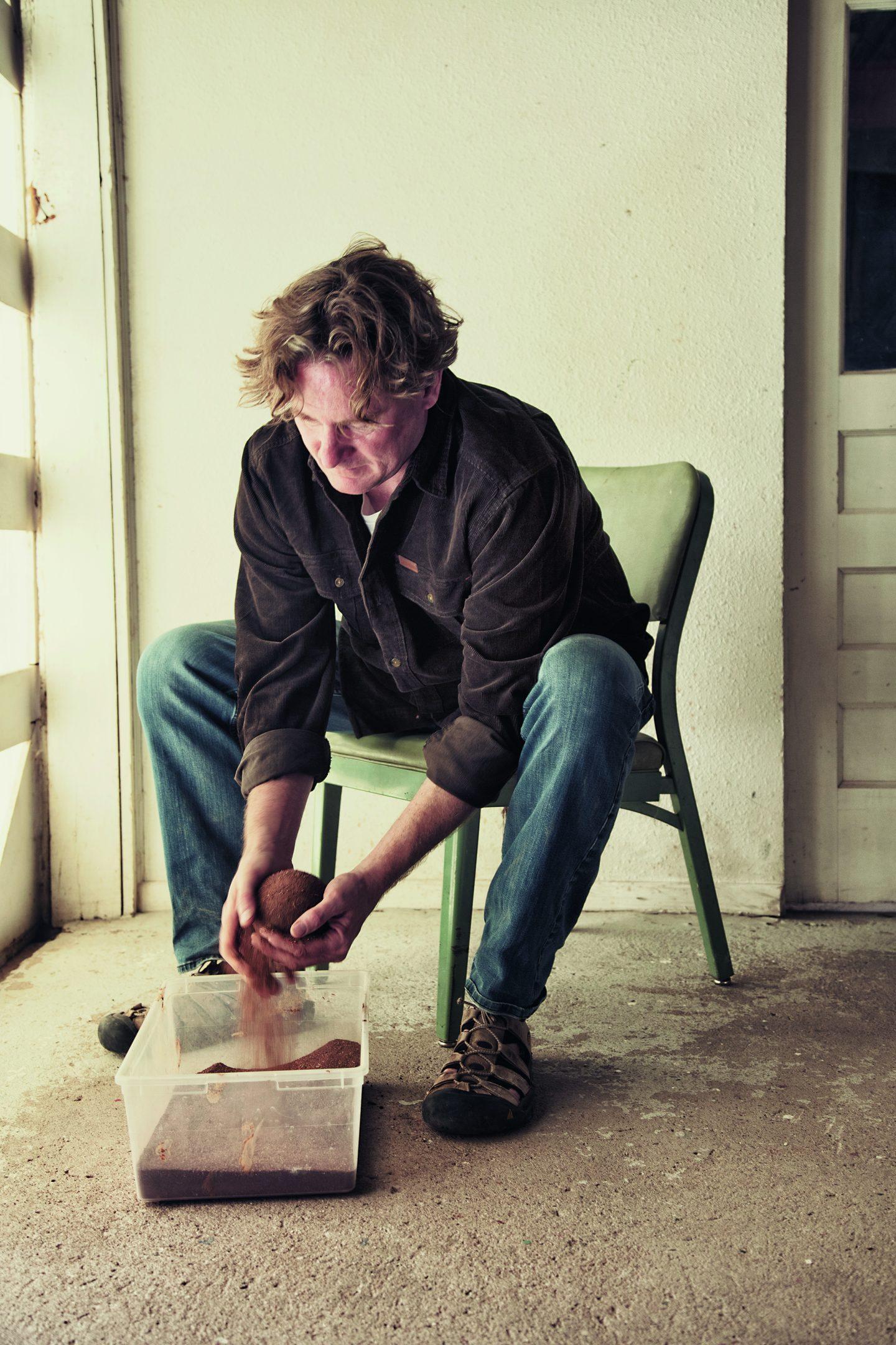 Dorodango: The Japanese Art of Making Mud Balls Laurence King Publishing