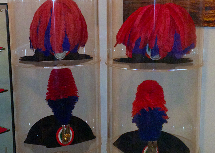 Teca cappelli arma dei Carabinieri