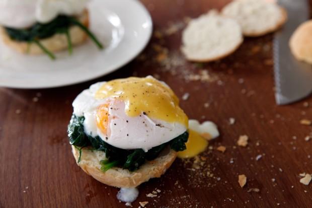 Eggs-Bendedict-3
