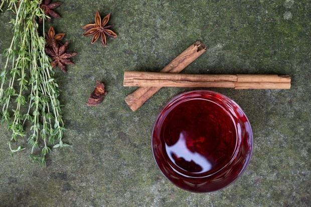 Zutaten für Cranberry-Thymian-Punsch mit Wodka