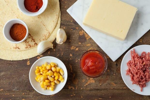 Zutaten für gefüllte Tortillas mit rassigem Hackfleisch