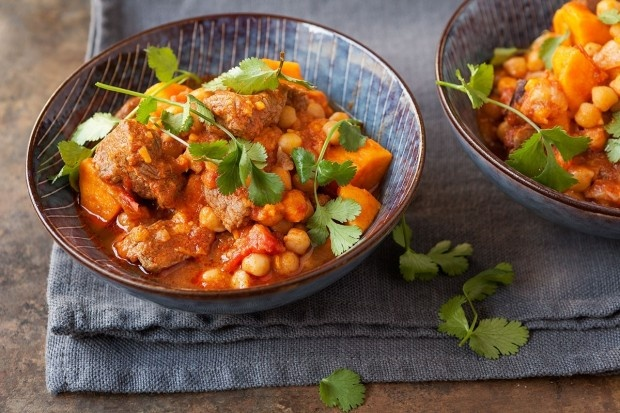 Lamm Tikka Masala mit Kichererbsen und Süsskartoffeln