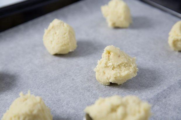 Weisse Schokoladen-Nocken für Cookies