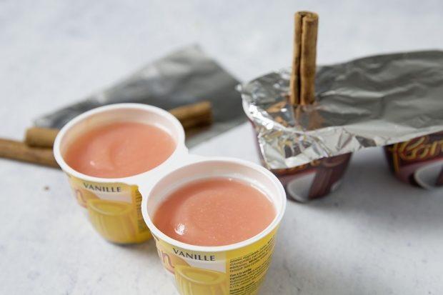 Sorbet-Masse im leeren Puddingbecher