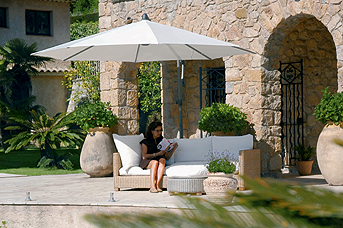 Ombrelloni e docce da giardino abitare - Docce da giardino in muratura ...