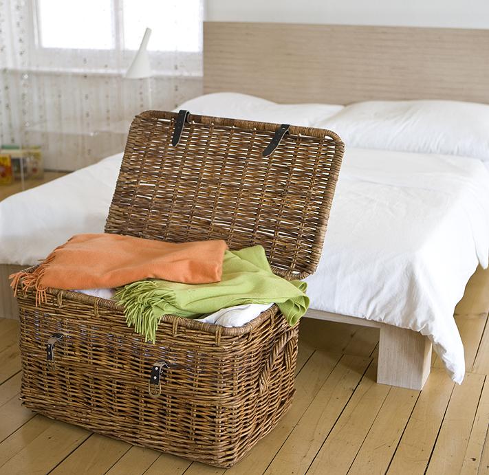 mehr ordnung im schlafzimmer wohnen. Black Bedroom Furniture Sets. Home Design Ideas