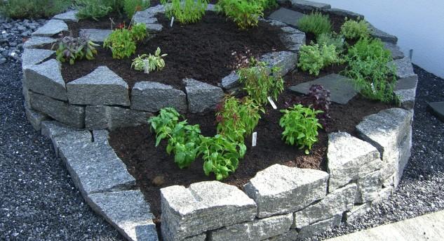 do it yourself einen steingarten anlegen. Black Bedroom Furniture Sets. Home Design Ideas