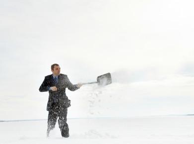 Schneeräumen ist Sache des Wohneigentümers, solange nichts anderes vereinbart ist. (Bild: istock)