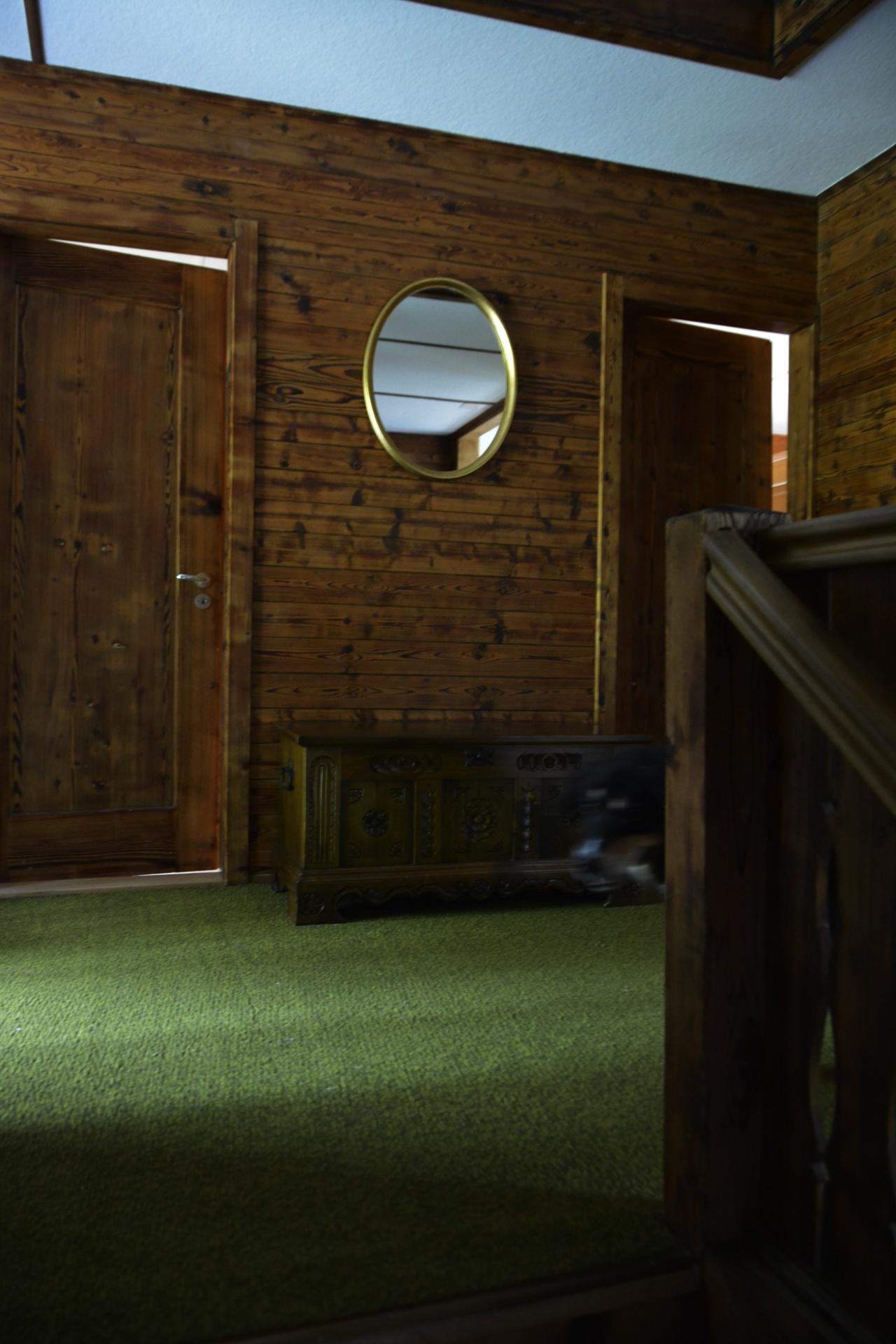 r ume wieder zum l cheln bringen. Black Bedroom Furniture Sets. Home Design Ideas