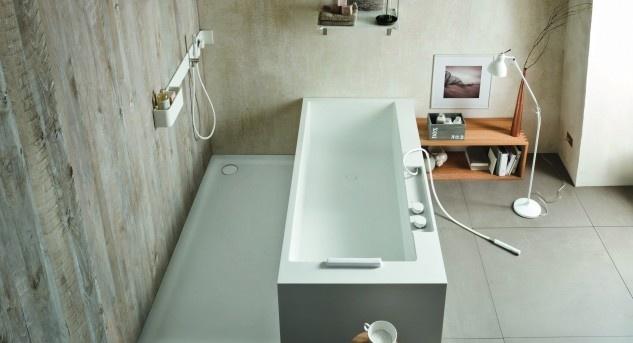 Dusche oder Badewanne? Bei der geschickt gelösten Ergonomic-Kombinaton von Rexadesign stellt sich die Frage nicht. Bild © www.rexadesign.it.