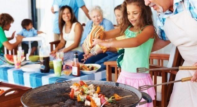 Grillieren ist Lebensfreude pur, aber auch ein Hobby, das viel Rücksicht verlangt. Bild © www.deavita.com (CC BY-ND 3.0)