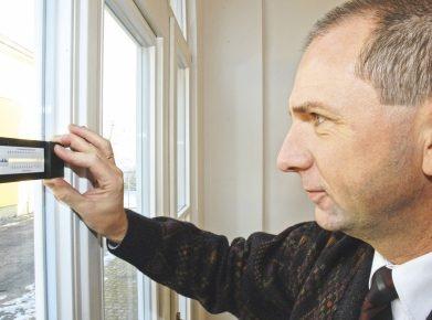 Baumängel bei Neubau: Oft müssen Experten Baumängel oder falsch gelieferte Bauteile unter die Lupe nehmen. (Bild: epr / der Hausinspektor).