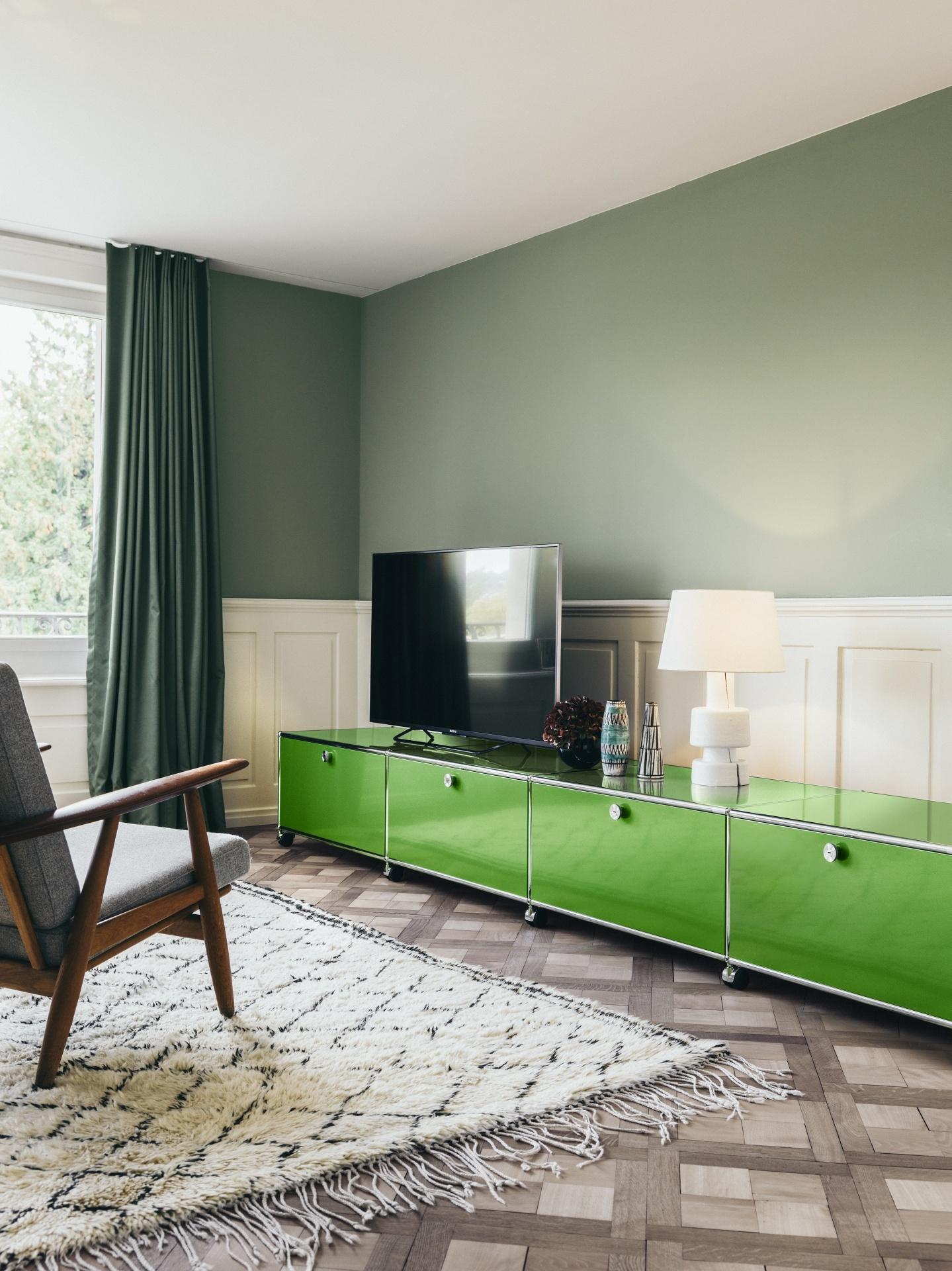 apfelgrn wandfarbe design wohnzimmer braun beige streichen streichen with apfelgrn wandfarbe. Black Bedroom Furniture Sets. Home Design Ideas