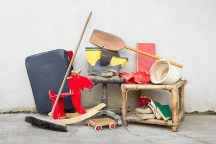 weniger ist das neue mehr tipps zum cleveren ausmisten und entr mpeln. Black Bedroom Furniture Sets. Home Design Ideas