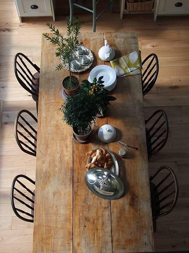 Tavolo Moderno E Sedie Antiche.Tavolo Di Legno Il Mobile Piu Amato Homegate Ch