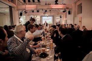Wie es sich gehört, stehen bayerische Spezialitäten auf dem Tisch. Bild: Mirjam Sonner.