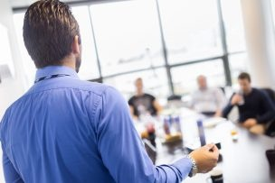 Ein kompetentes Team und Räumlichkeiten für die Arbeit sind nur zwei Elemente, die Startups zur Umsetzung ihrer Geschäftsidee benötigen. (Foto: fotolia.com © kasto (#101493059) )