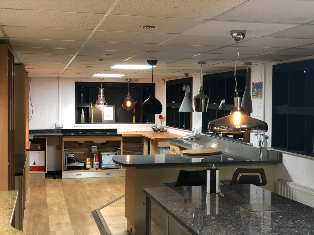 Showroom kitchen pendant lights
