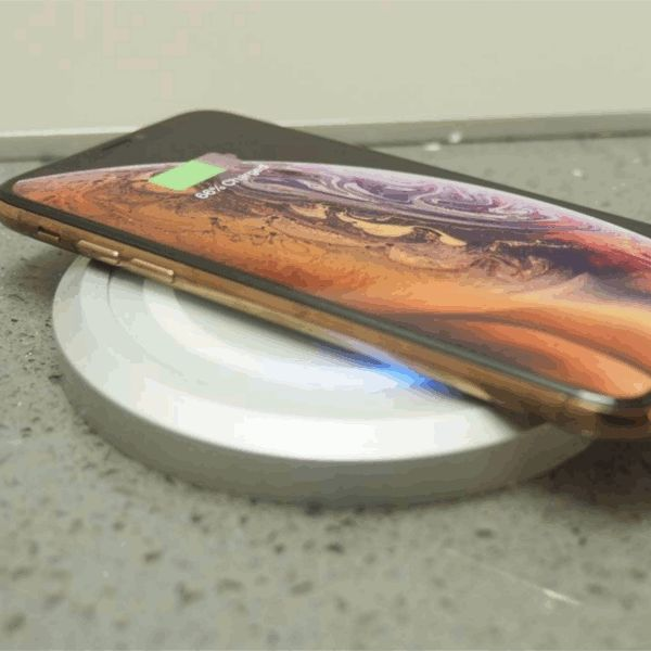 Fully motorised pop up socket