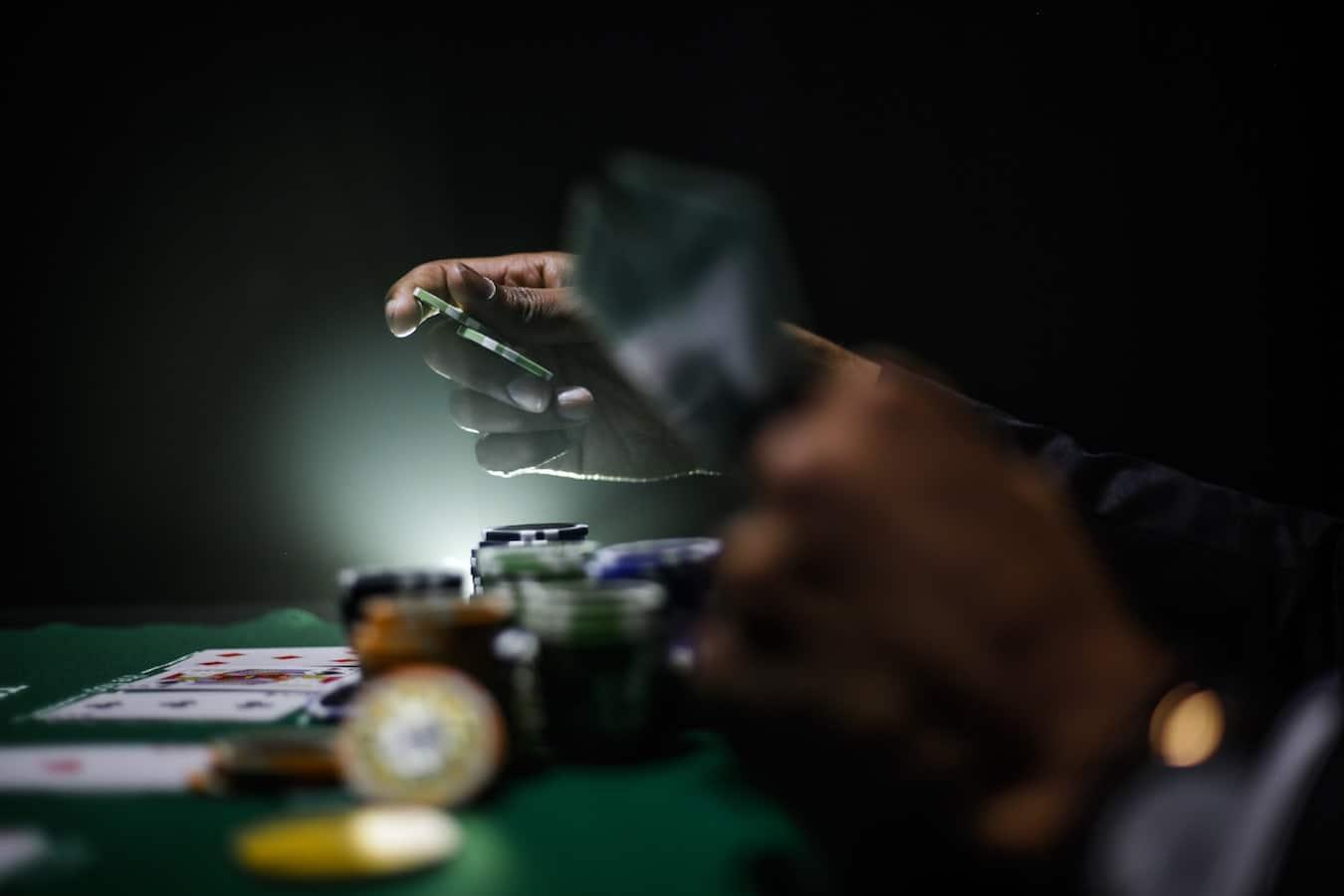Comment faire pour devenir joueur de poker pro