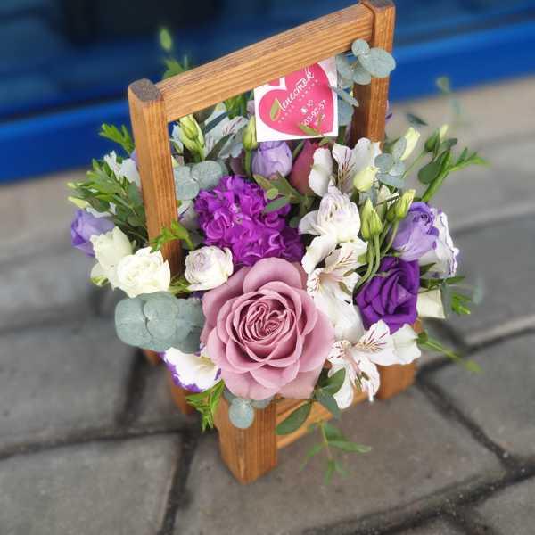 Коробочка с цветами для мужчины руководителя