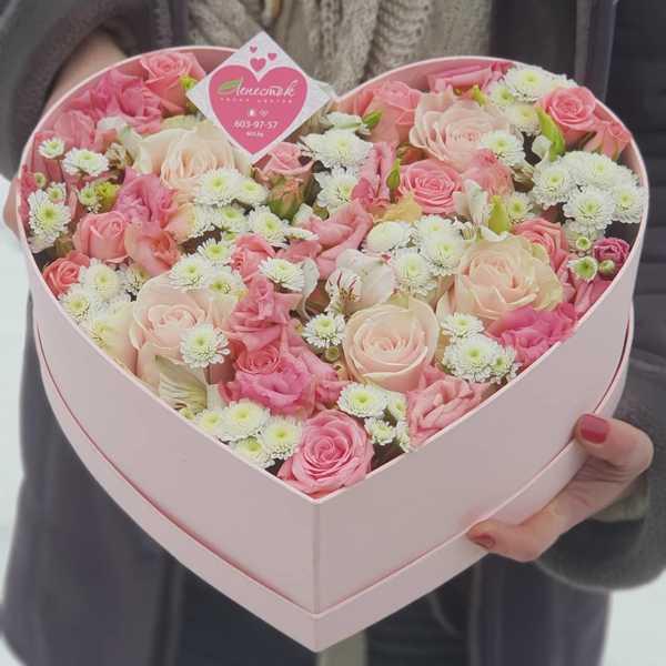 Гламурно-розовая коробочка