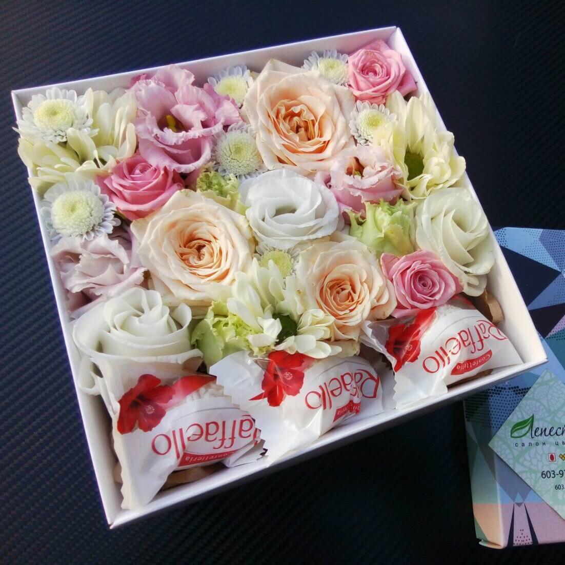 Нежная коробочка с цветами
