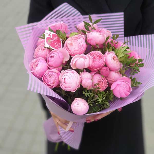 Охапка пионовидных роз Silva Pink