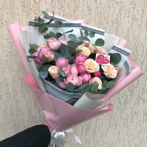 Букет из пионовидных роз Силва Пинк и Джентл Трендсеттер