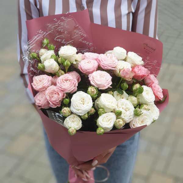 Букет из пионовидных роз Мадам и Принц Бомбастик