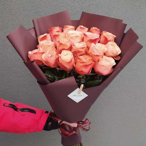 Букетик из 19 импортных роз
