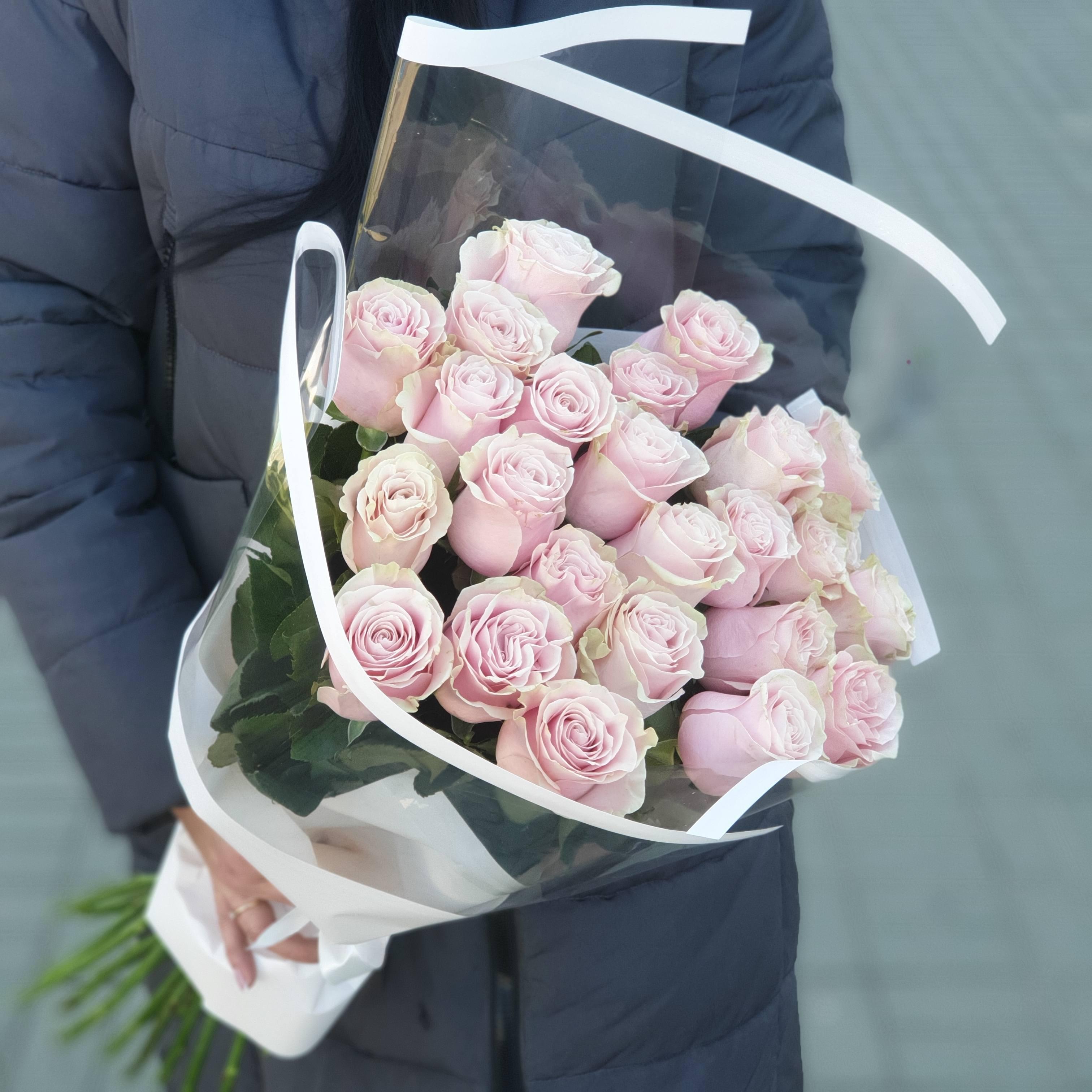 Охапка из 25 сортовых роз Pink Mondial