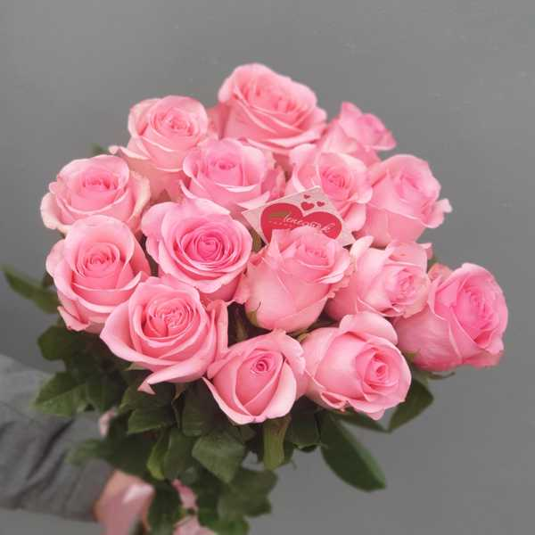 15 импортных роз Опала