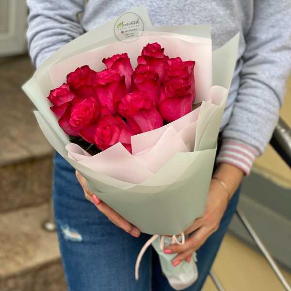 Монобукет из 11 малиновых роз