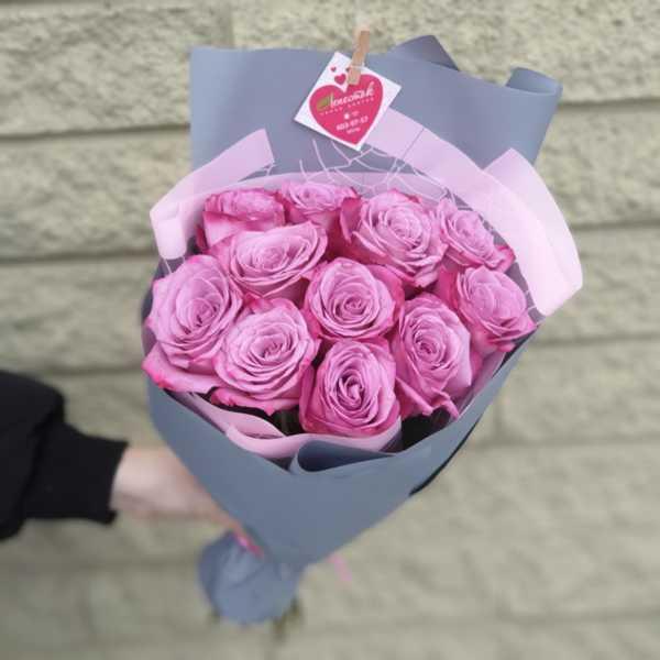 Букет из 11 сиреневых роз