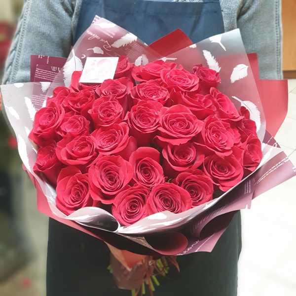31 красная роза Freedom