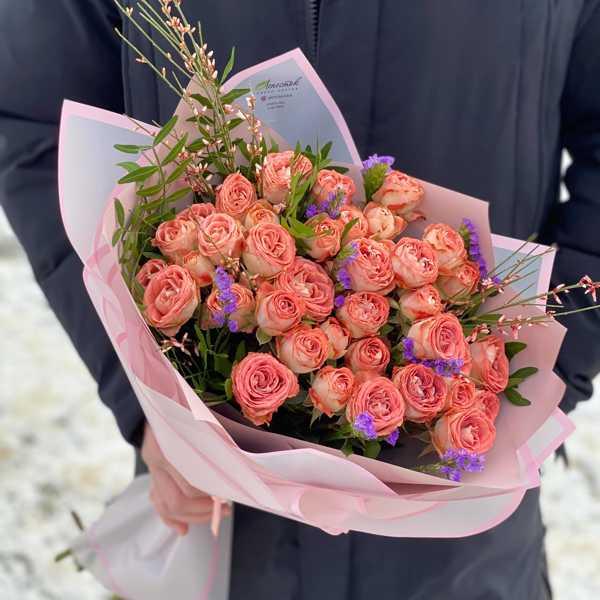 Монобукет из ветвистых роз Капучино