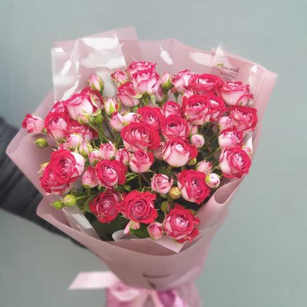 Охапка кустовых роз Би Баблз (B-Bubbles)