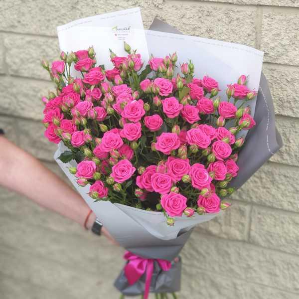 Охапка кустовых роз Пинк Йо Йо