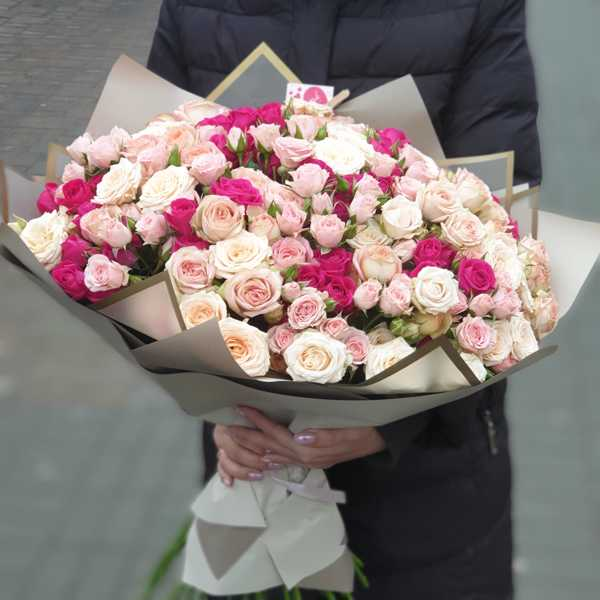 Букет из 4-ох сортов кустовых роз